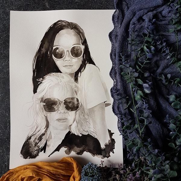 inkt portret van Nicolette Fox hoofdredactrice van VTWonen en dochter Run Jie met zonnebril